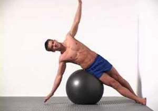 Mis-4-ejercicios-favoritos-de-abdomen-con-pelota